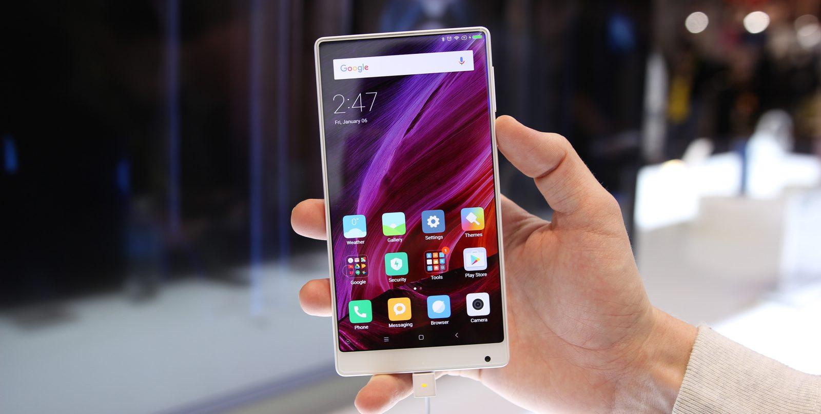 Специалисты назвали мобильные телефоны, которые жители России дарят наНовый год